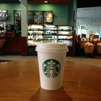 Photo taken at Starbucks Coffee by Fernando L. on 3/10/2013