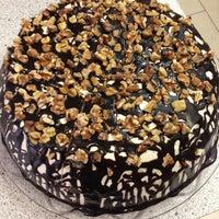 Das Foto wurde bei Food Box von Svetlana P. am 9/30/2013 aufgenommen