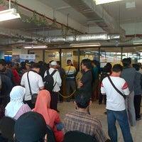 Photo taken at Gerai Samsat PGC by anto ganteng euy a. on 10/13/2012