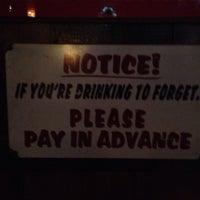 Foto tomada en Maggie's Town Tavern por Michael B. el 12/14/2013
