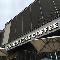Foto tirada no(a) Starbucks por Constanza G. em 9/8/2016