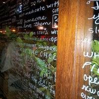 7/22/2013 tarihinde ES&ES BOUTIQUE💗💗💗 E.ziyaretçi tarafından Caribou Coffee'de çekilen fotoğraf