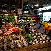 5/6/2013 tarihinde Adleyziyaretçi tarafından Whole Foods Market'de çekilen fotoğraf