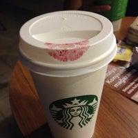7/22/2013 tarihinde Melissa K.ziyaretçi tarafından Starbucks'de çekilen fotoğraf