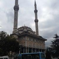 Photo taken at Haydarpaşa Camii by Uğur Ç. on 9/20/2013