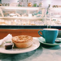 Photo taken at La Provence Boulangerie Patisserie & Cafe by ChingYuen on 11/15/2015