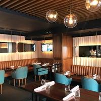 Foto tomada en ROOT restaurant + wine bar por Charlie N. el 9/9/2017