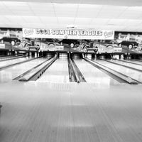 Photo taken at Flaherty's Arden Bowl by Rodrigo S. on 6/2/2013