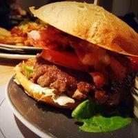 Das Foto wurde bei Burger Heart von Thomas S. am 12/1/2016 aufgenommen