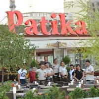 Das Foto wurde bei Patika Cafe & Bistro von Kenan T. am 7/22/2013 aufgenommen