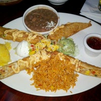 Photo taken at Chevys Fresh Mex by Mary Ann on 3/4/2012