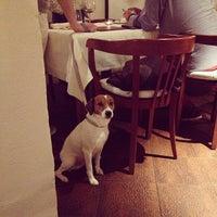 Das Foto wurde bei Hartmanns Restaurant von jendotlu am 9/19/2013 aufgenommen