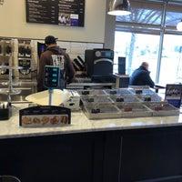 3/2/2018 tarihinde Neal E.ziyaretçi tarafından Peets Coffee & Tea'de çekilen fotoğraf