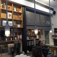 Снимок сделан в Joe: The Art of Coffee пользователем Jean-Baptiste K. 8/15/2015