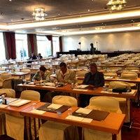 Das Foto wurde bei Sheraton Fuschlsee-Salzburg Hotel Jagdhof von Michael M. am 4/15/2013 aufgenommen