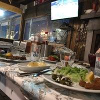 4/9/2018 tarihinde Deniz S.ziyaretçi tarafından Athena Balık Restaurant'de çekilen fotoğraf