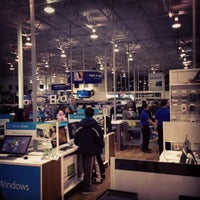 Photo taken at Best Buy by Jordan H. on 11/29/2013