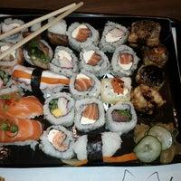 Foto tirada no(a) Fujisan Sushi por Eduardo B. em 3/20/2013