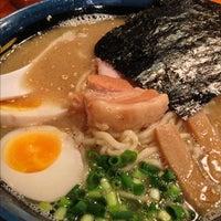 Photo taken at 久留米らーめん 鐵釜 六本木ヒルズ店 by nakanoken on 11/30/2012