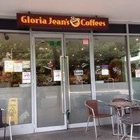 Photo taken at Gloria Jean's Coffees by Anita on 12/13/2016