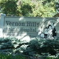 Photo taken at Vernon Hills Animal Hospital by Frank V. on 8/11/2012