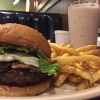 Photo taken at Scotty P's Hamburgers by Henoc M. on 4/9/2016