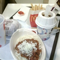 Photo taken at McDonald's by Benny T. on 10/11/2012