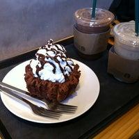 Photo taken at Starbucks by Yongtaek K. on 10/21/2012
