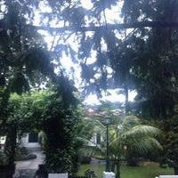 Photo taken at Restaurante Quinta Das Silveiras, Moreira Da Maia by Francisco R. on 4/2/2016