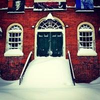 Das Foto wurde bei Old Town Hall in Salem von Doug P. am 12/28/2014 aufgenommen