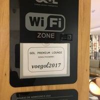 Foto tirada no(a) GOL Premium Lounge por Susan G. em 7/18/2017