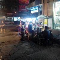 Photo taken at สุรชัยนํ้าเต้าหู้ & เต้าฮวย by Phongphan A. on 9/13/2013