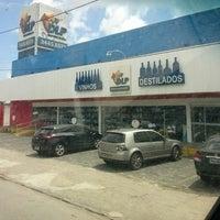 Foto tirada no(a) DLP Vinhos e Destilados por Hugo Medeiros em 8/21/2013