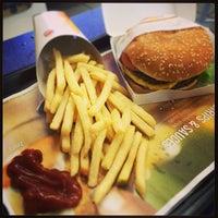 Photo taken at Burger King by Lerimer S. on 10/25/2013