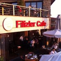 รูปภาพถ่ายที่ Filizler Köftecisi โดย Hanne Ç. เมื่อ 7/29/2013