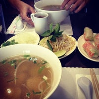 Photo taken at Pho Saigon Noodle & Grill by Jessica Y. on 11/25/2012
