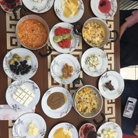 Foto diambil di Yeni İmsak Kahvaltı Salonu oleh Yusuf B. pada 5/14/2017