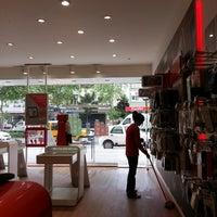 Photo taken at Vodafone Direkci iletisim by Zafer T. on 4/19/2014