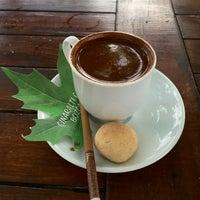 6/4/2015 tarihinde Bülent Y.ziyaretçi tarafından Çınaraltı Cafe'de çekilen fotoğraf