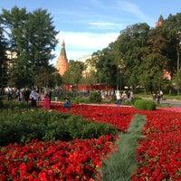 Photo taken at Aleksandrovskiy Garden by Lidiya V. on 7/24/2013