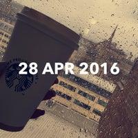 Photo taken at Starbucks by Hessa on 4/28/2016