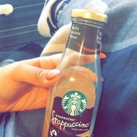 Photo taken at Starbucks by Hessa on 5/4/2016