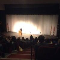 Foto tomada en The Milburn Stone Theatre por Cecil C. el 11/11/2013