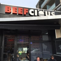 Photo prise au Beefcious par  Jose C. le2/20/2015