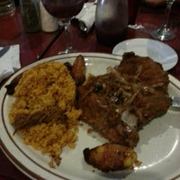 Foto tomada en Rolando's Cuban Restaurant por Adam G. el 4/21/2013