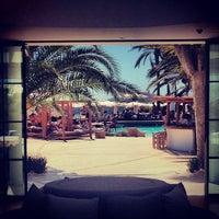 Foto tomada en Destino Pacha Ibiza Resort por Maani S. el 8/10/2013