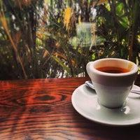 Foto tomada en Octane Coffee por Michael B. el 4/15/2013