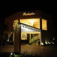 Foto tirada no(a) Hotel Redentor por Wilfred M. em 8/14/2014