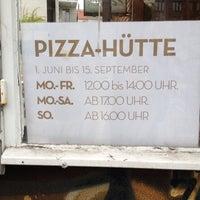 Das Foto wurde bei Pizza-Hütte von fronx am 7/14/2013 aufgenommen