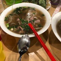 Photo taken at Yen's Vietnamese Restaurant by Rudy T. on 7/3/2018